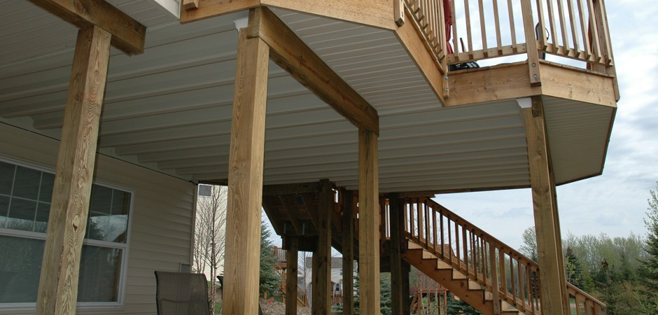 Cantilevered Deck